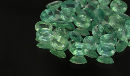 Mint-kyanite
